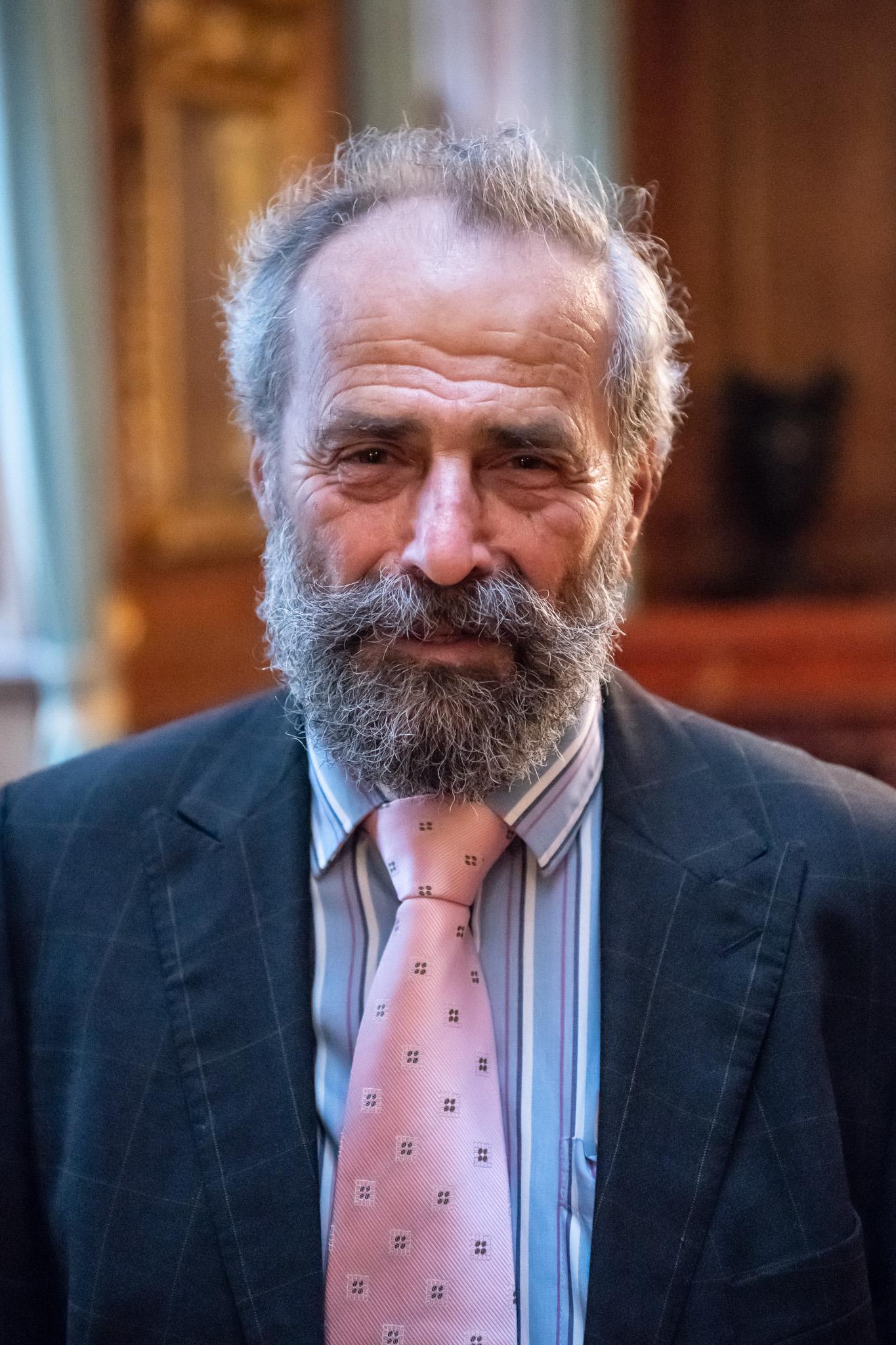 Prof Tim Burstein